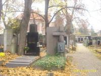 Pěkný hrob na krásném místě na Praze 6